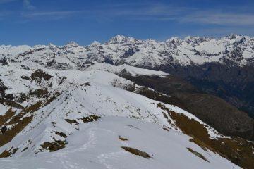 panorama dalla cima con il Gran Paradiso in primo piano
