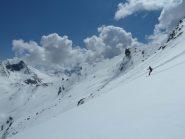 In discesa dal col du Chamoussiere su neve  + cotta ma pur sempre ben sciabile