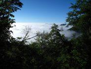 Il soffice mare di nuvole in Liguria