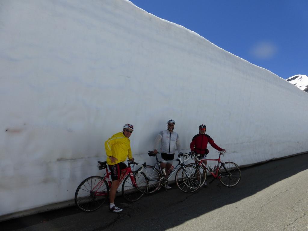 la foto con il muro bianco