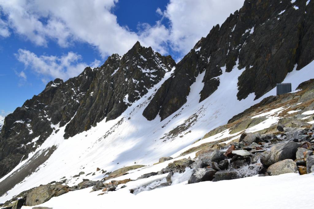 Bivacco Spataro (2600 m)