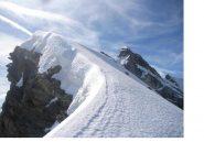 In cresta verso il Dome Blanc la P.Martellot fa capolino sulla dx