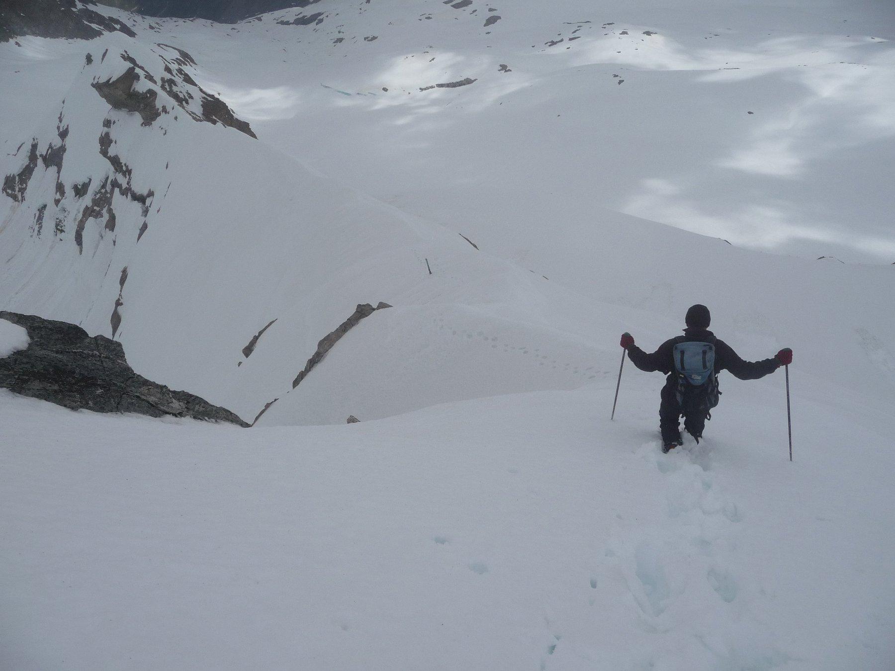scendendo dalla cima verso l'imbocco del ripido pendio