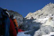 parte in alto poco ghiaccio e tanta roccia friabile