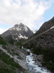 05 - ci si addentra nella lunga e stretta valle