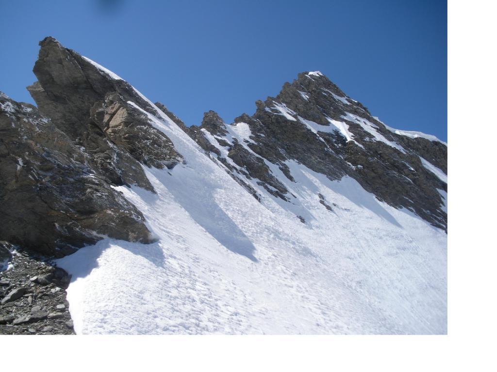 La cresta nord est della P.Avril dal Col Costan..