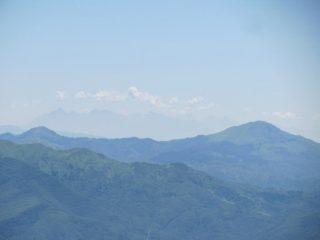 Vista verso Alpi Apuane e M. Gottero