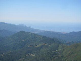 Vista dalla vetta verso Chiavari e Sestri Levamte