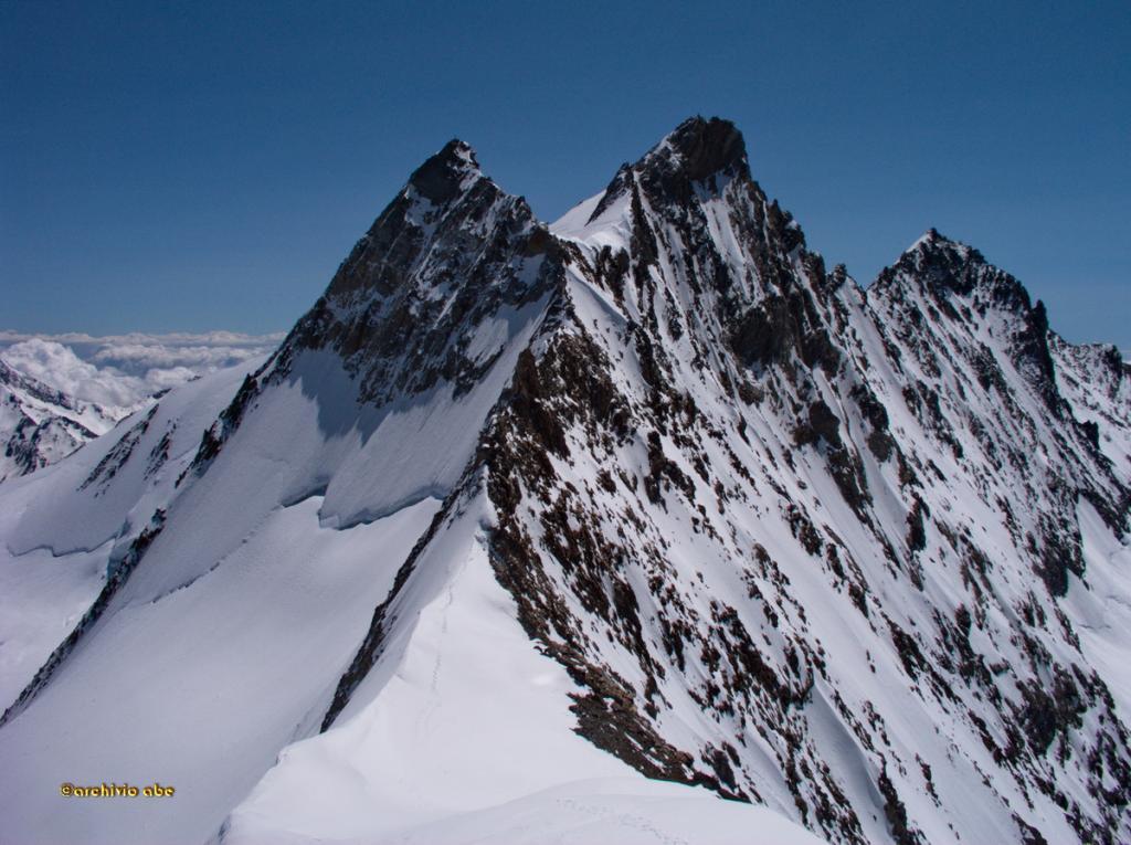 Il tratto di cresta dall'Hobargjoch e lo Stecknadelhorn