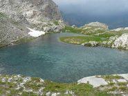 il bel lago sopra la cascata