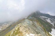 la cresta non percorsa con la Punta Santanel immersa nella nebbia