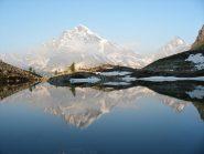Riflesso del M.Leone nel Lago Bianco