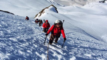 salendo lungo il ripido pendio del versante SO della Roccia Nera...01 (14-7-2013)