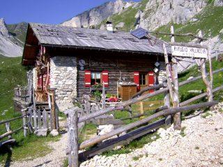 Rifugio Valacia m.2275