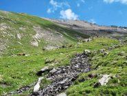 Zona medio-alta del vallone e cima sullo sfondo