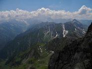 lontanissima alpe Crosenna a sx. e colle della boina al centro