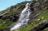 Una delle tante cascate della zona