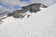 02 - attraversamento a centro ghiacciaio verso la P. Ferrand (Photo MassimoB)