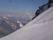 sullo sfondo il monte bianco