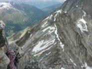 scendendo la cresta N si osserva la Pointe de Tsalion con la neve