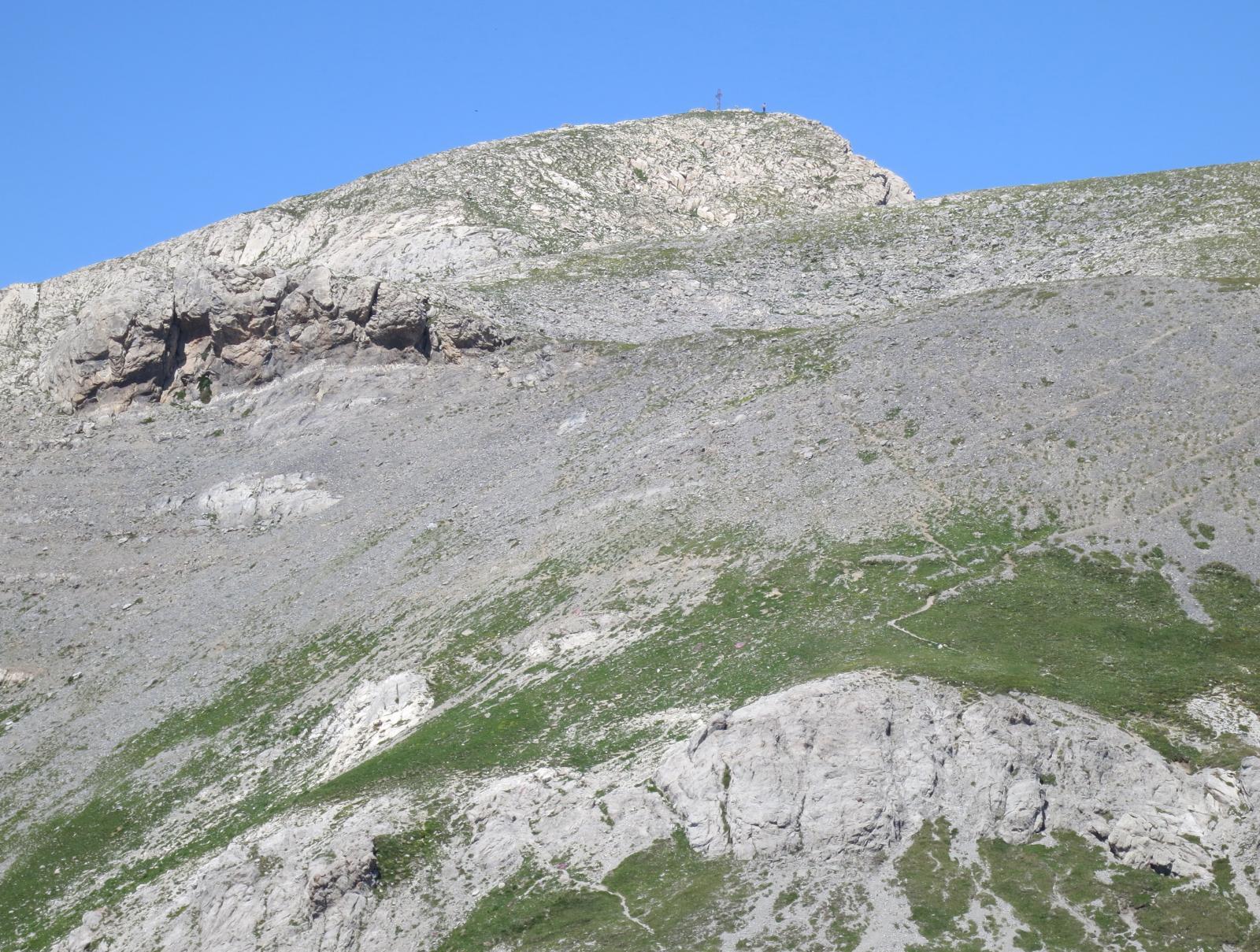 sentiero sull'ampia dorsale per la punta Marguareis