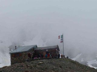 il rifugio nella nebbia