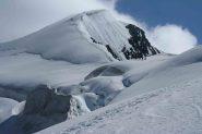 Tracce di inizio discesa, neve molle, poi sotto migliora