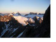 Dalla Parete sud-ovest del Todi detto anche Piz Russein le immani distese glaciali all'alba..