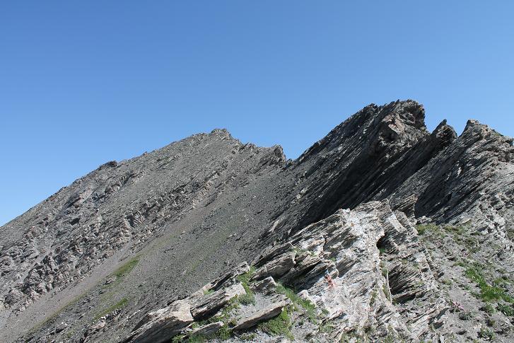 la vetta con il versante di salita lato Valle Lunga