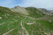 la Tete de Parassac vista dal valloncello che porta verso i Lacs des Hommes (7-8-2013)