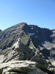la cima con lo sfondo del monte Unghiasse