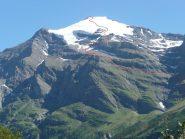 L'imponente montagna vista dall'imbocco del Vallone di Averole