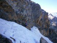 Il tratto di nevaio prima dell'ultimo tratto verticale della ferrata