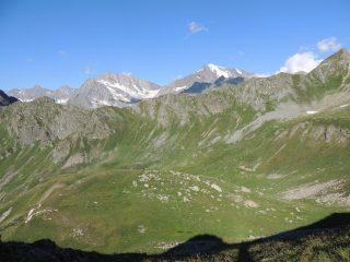 Vista dalla bocchetta a 2180 m verso la Svizzera con il Pizzanco a dx