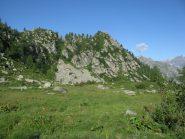 Dai piani dell'Alpe Bellagarda, a dx, il Pruset