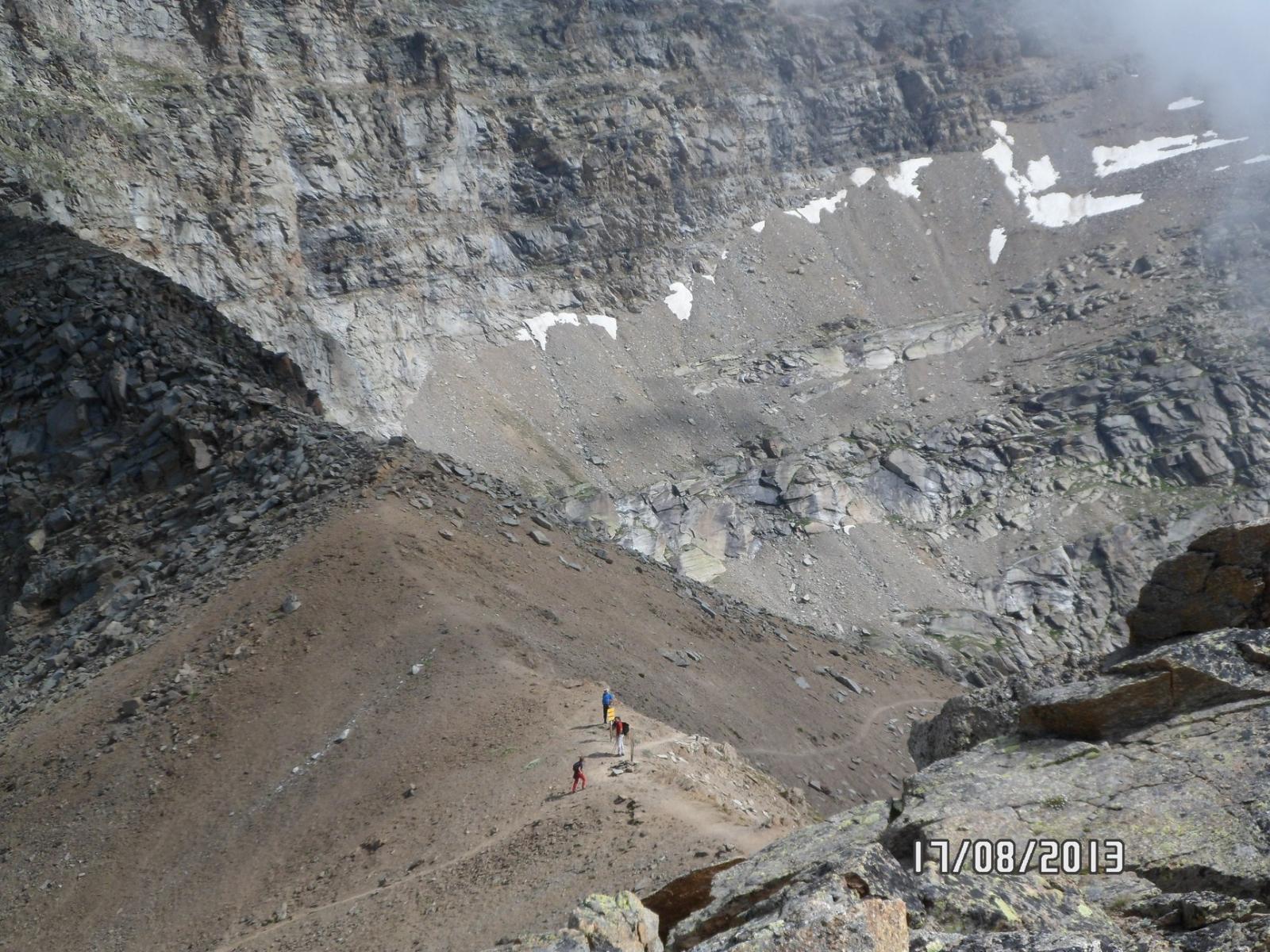 Il colle della Terra visto dalla Punta Rocchetta, la nebbia è in arrivo