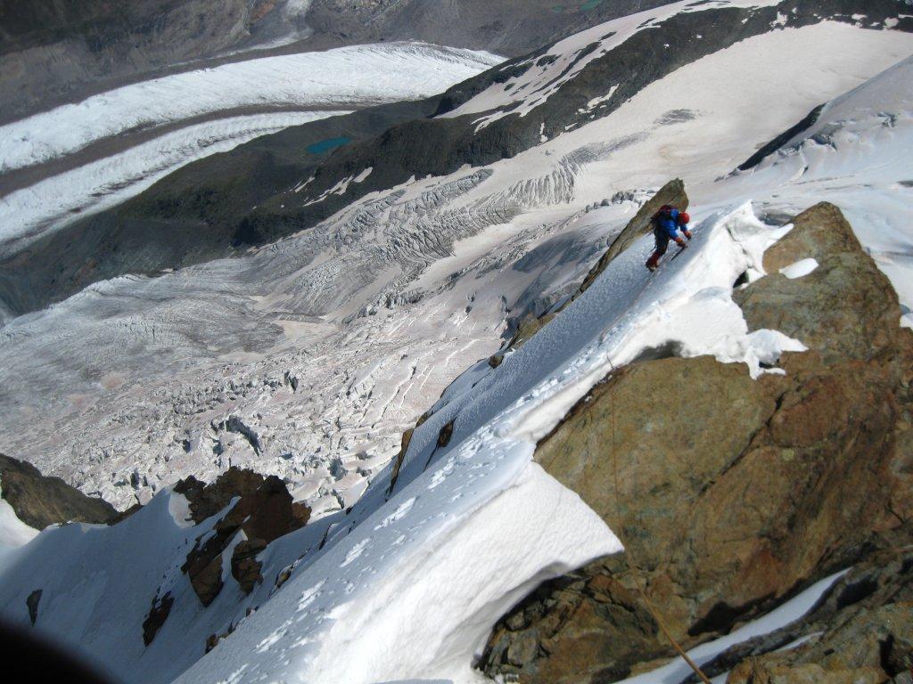 Sul bellissimo filo nevoso, sotto il Grenzgletscher