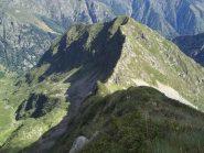 Masso dei Sesiani e Passo della Magna visi dalla cresta N del Cengio dell'Omo