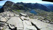 monte e gran lago d'Unghiasse visti dalla cresta