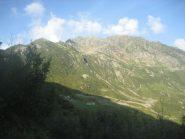punta Sivella al centro della foto (con nuvoletta sulla sommità), cresta a sx l'itinerario percorso oggi in salita