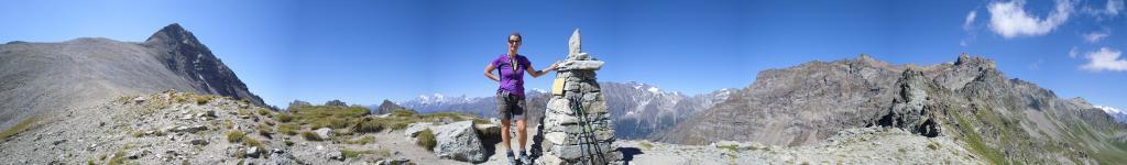 raggiunto il Colle Vessona...panorami estesi a 360 gradi..