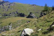 Il santuario, sotto la roccia