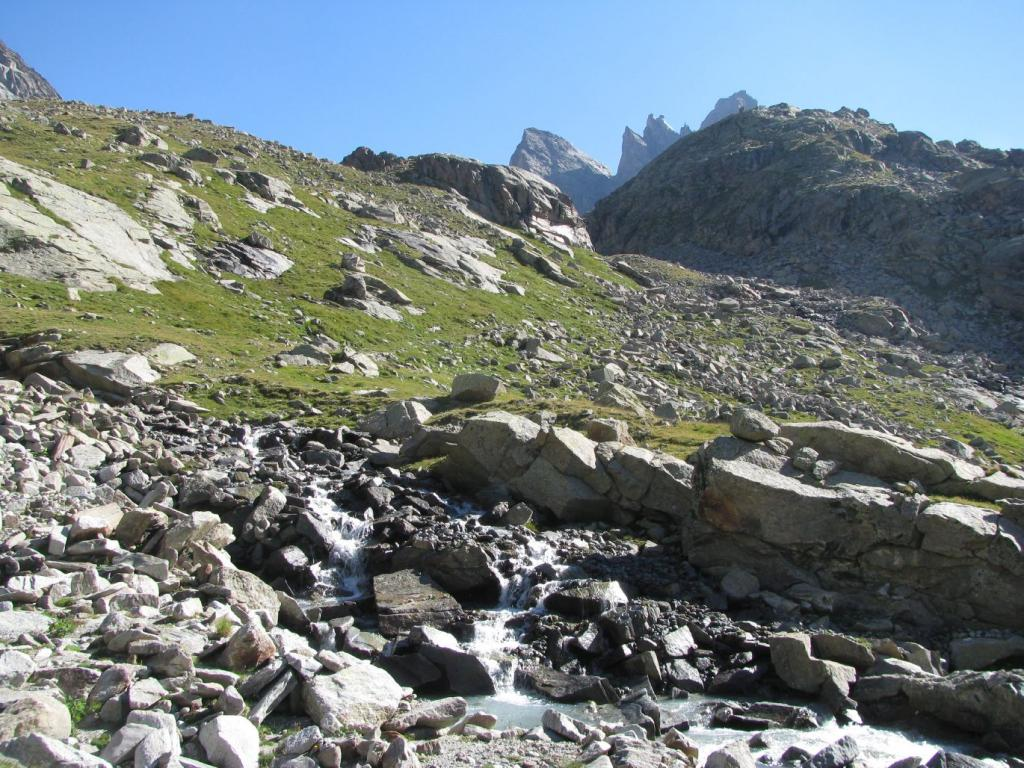 A destra l'imbocco della valletta di salita al piano glaciale