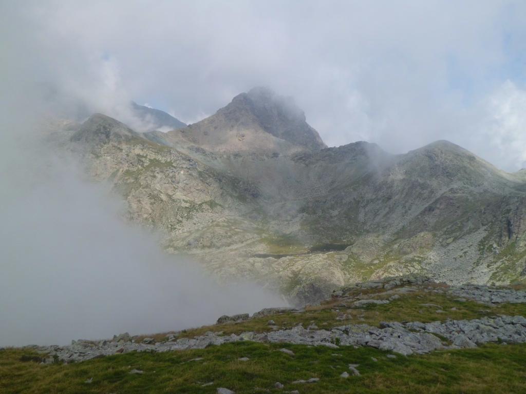 Torrione Mazzucchini e Lago Lungo dalla cima