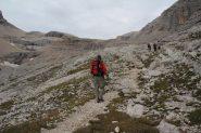 riprendiamo a salire lungo il versante SE del Lavarella (8-9-2013)