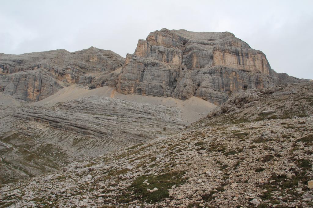 il Piz Taibon visto dall'ex-lago delle Conturines (8-9-2013)