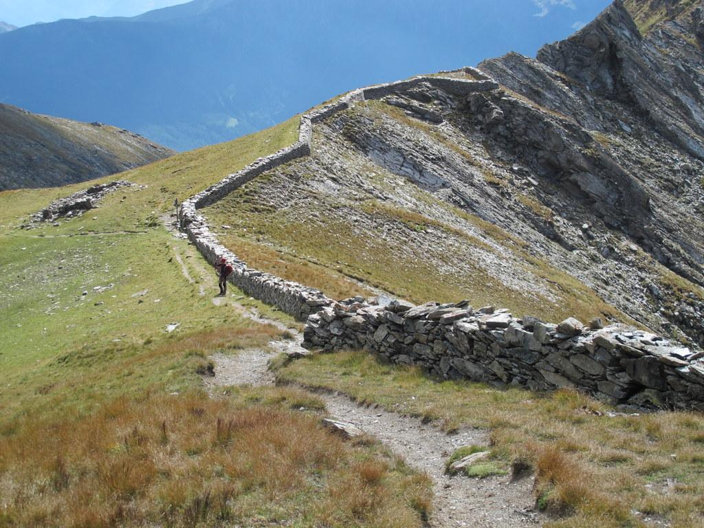Il muro di confine al colle Orsiera