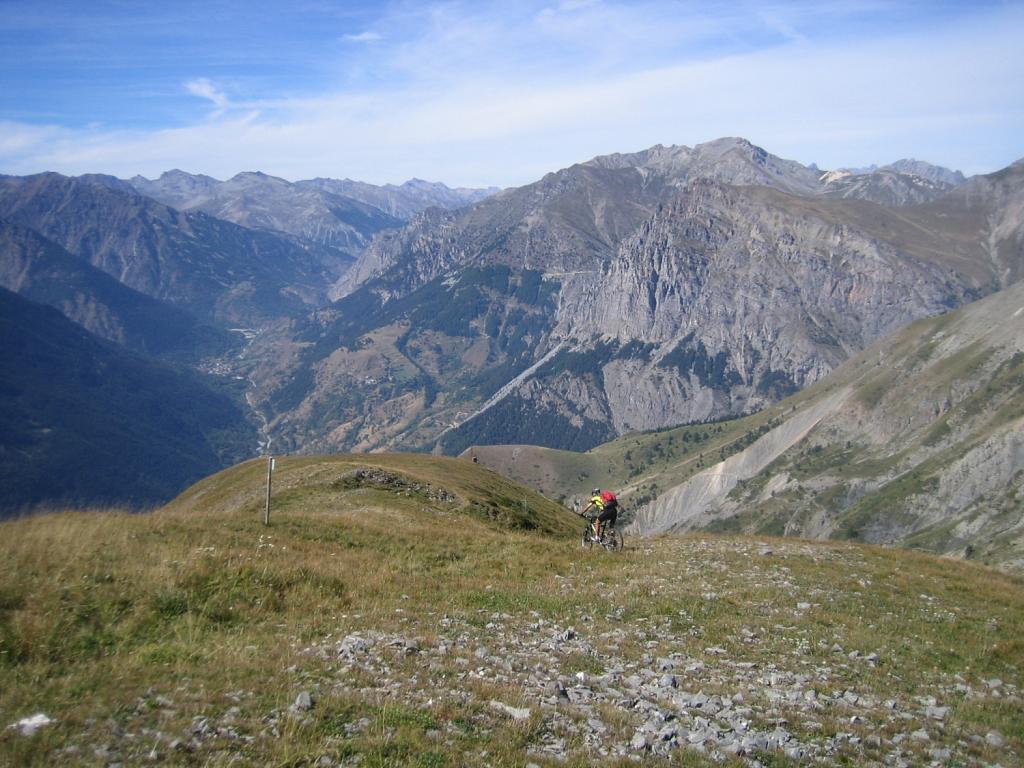 discesa sulla larga dorsale della cima Varirosa