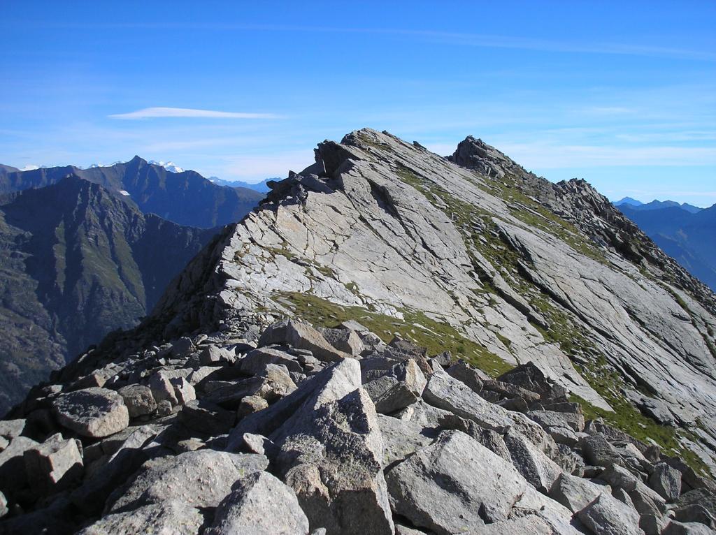dal colle le  due cime di 2787m e 2717m