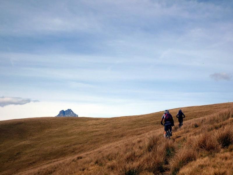 il bellissimo sentiero alle pendici del monte Buch